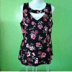 Torrid sleeveless floral blouse